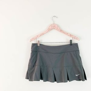 Nike Pleated Tennis Skirt Large Gray Ruffle Hem